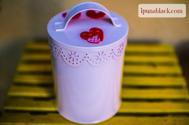 Valentine-Treat-Container-Ipuna-Black