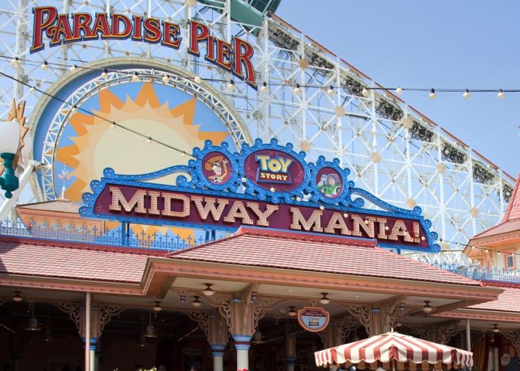 Midway-Mania-Disneyland